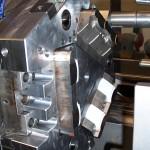 Dettaglio-Stampo bicomponente a tre stazioni a 120°